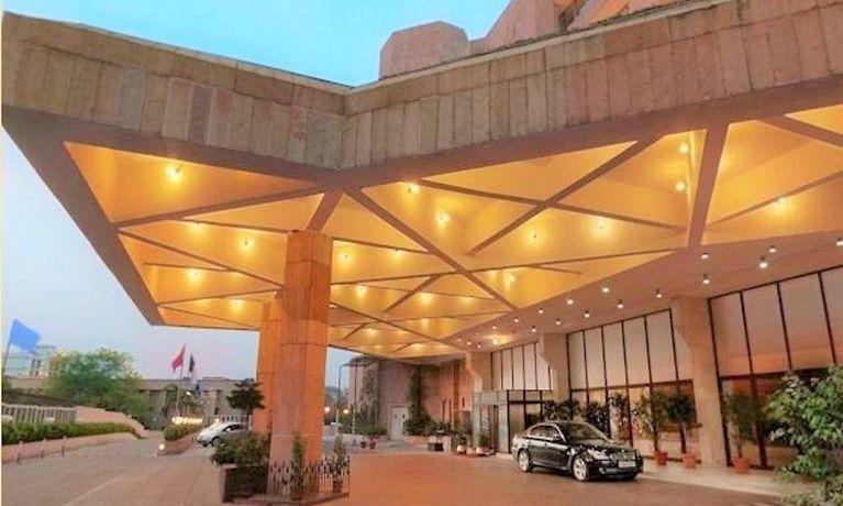 ニューデリー ホテル